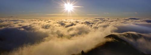 sanfrancisco sky fog clouds sunrise bay marin goldengatebridge goldengate bayarea marincounty judah marinheadlands ggnra goldengatenationalrecreationarea slackerhill slackerridge judahglass photographybyjudahglass photographybyjudah glassjudah