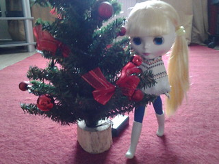 Johanna decorated the tree.