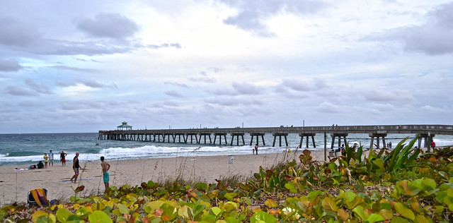 JB's on the Beach restaurant, Deerfield Beach, Florida - beach and pier