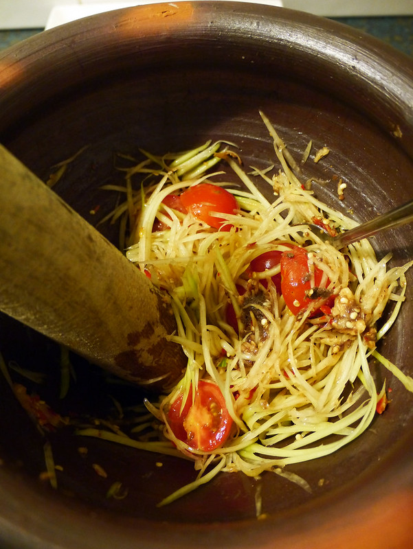 How to make tum mark hoong - Lao spicy green papaya salad recipe #5