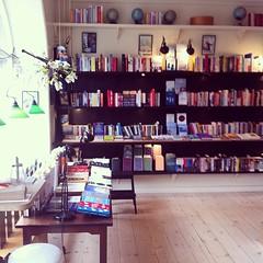 Cordes & Rindholt arbejder ude #Booksandcompany #kontorhygge
