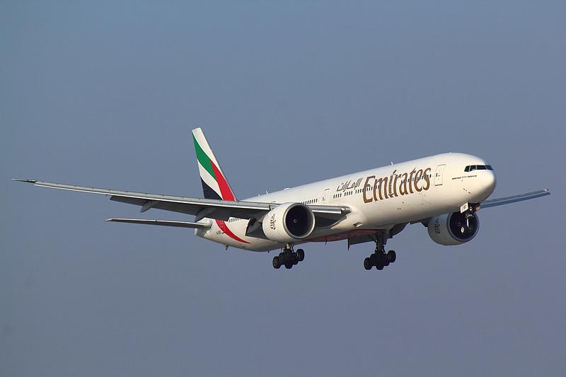 Emirates - B773 - A6-EBO (1)