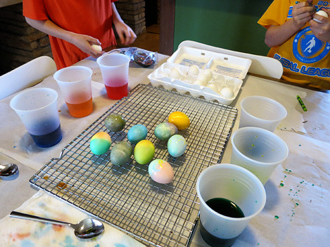 eggdying2-0414