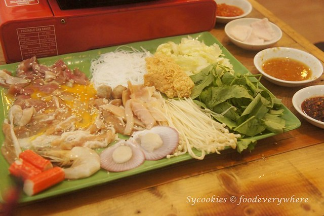 9 bowls boat noodle @ Publika (Review at http://wp.me/p1tyh7-1BN )