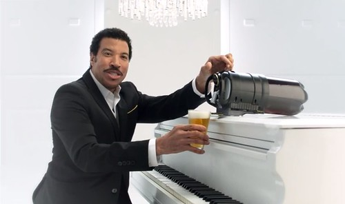 lionel-richie-tap-king-beer-commercial