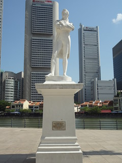 Image of Sir Stamford Raffles Statue. statue site singapore place january location landing stamford 29 sir sg shophouse bumboat raffles 1819