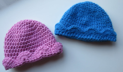 Crocheted Scalloped Hat Edging