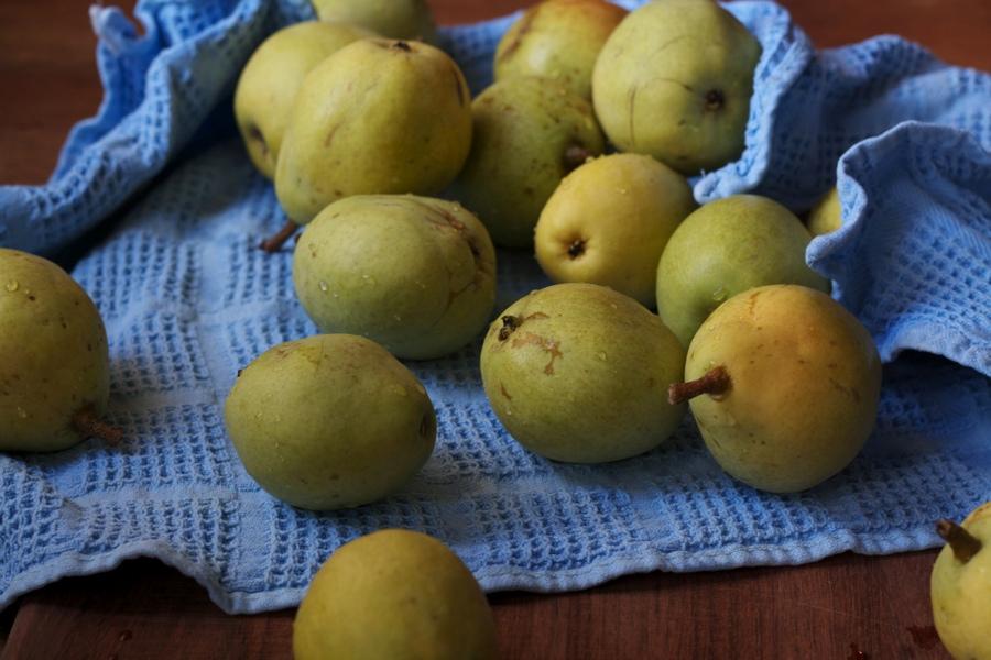 clean pears