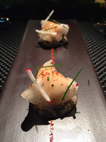 L'Atelier de Joel Robuchon's Le Crabe Appetizer: Seasonal crab meat on thin layers of daikon with sweet & sour vinaigrette