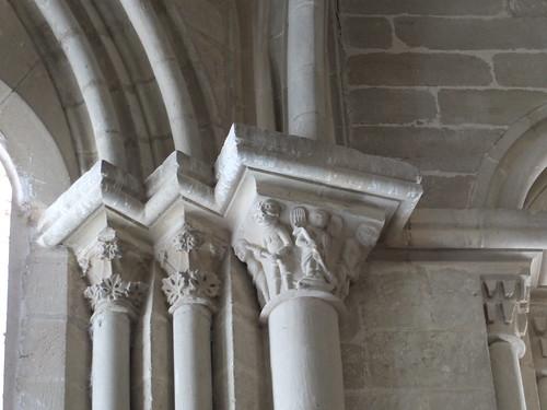 Iglesia de San Miguel de Foces - Capiteles en el interior 3