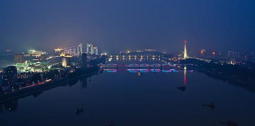 longexposure nightphotography light shadow night dark nikon korea kimjongil northkorea pyongyang dprk juche democraticpeoplesrepublicofkorea juchetower coréedunord 조선민주주의인민공화국 kimjonill d7000 kimillsung nikond7000 kimjongun