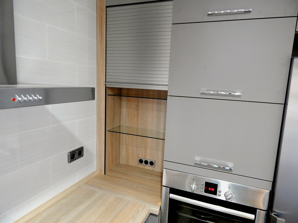 Muebles de cocina modelo uno - Armario persiana cocina ...