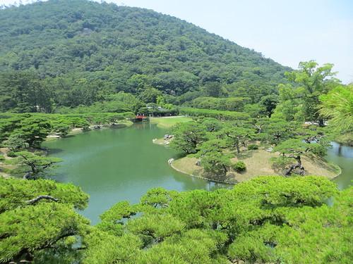 lake japan garden hill shikoku takamatsu mtfuji ritsurinpark 高松 栗林 箱松 fuyoho boxpine 屏風松 梅林橋 北湖