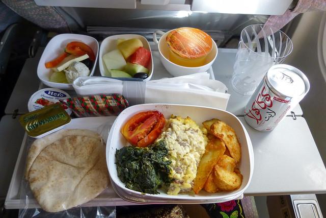 Inflight meal of Emirates Airline エミレーツ航空機内食(軽食)