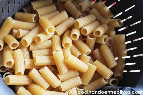 Macarrones integrales con verduras www.cocinandoentreolivos (2)