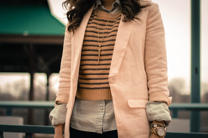va darling. dc blogger. virginia personal style blogger. casual outfit. linen blush blazer. black pants. heeled booties. cropped striped sweater layered over chambray. 5