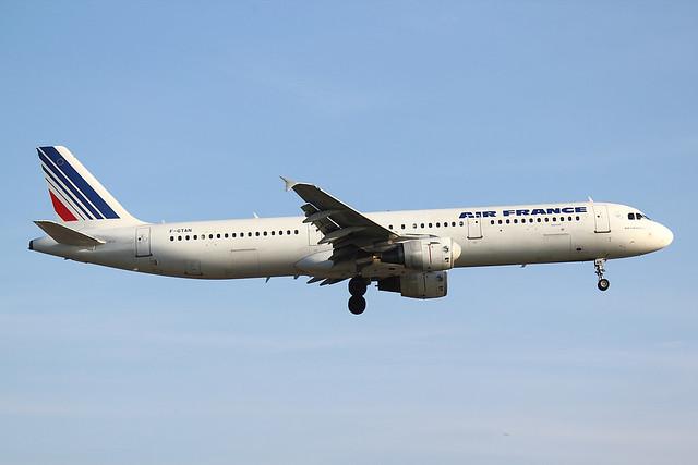 Air France - A321 - F-GTAN (1)