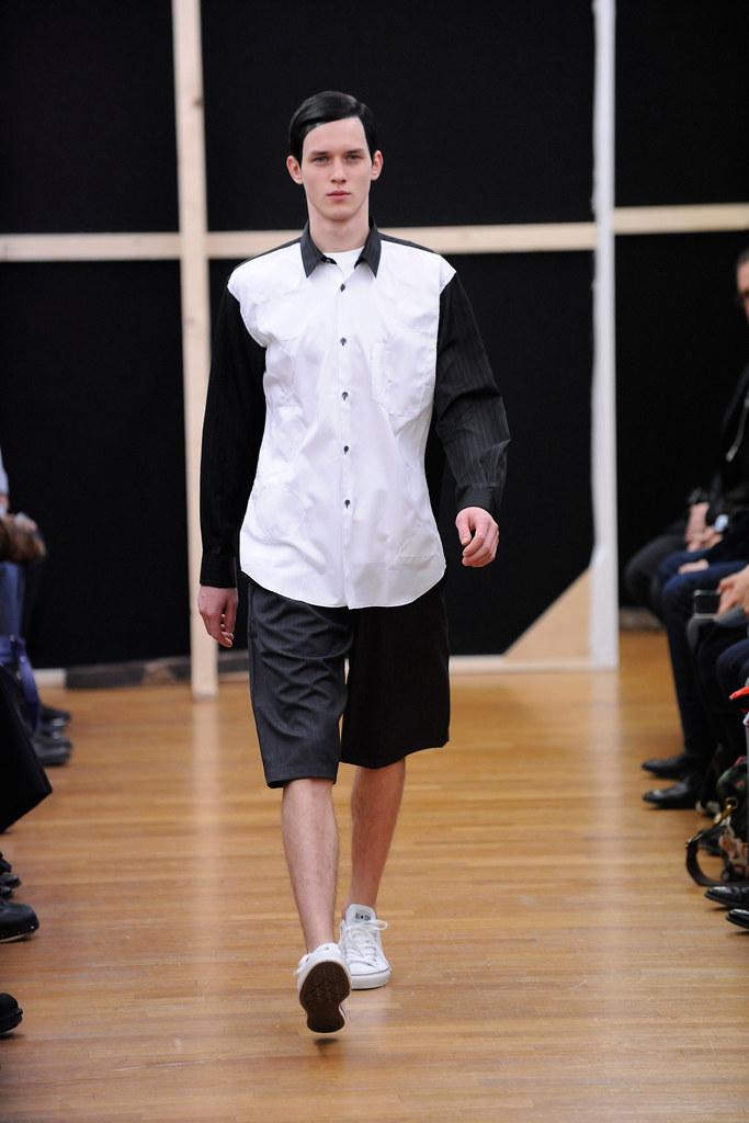 Yulian Antukh(Antuh)3017_FW14 Paris Comme des Garcons Shirt(fashionising.com)