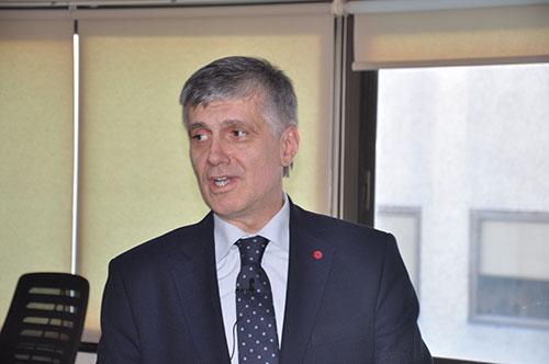 """Prof. Dr. Tayfun Uzbay hukukçulara """"Tutukluluk ve Beyine Etkisi"""" ni anlattı"""