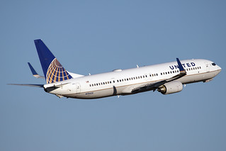 United Airlines Boeing 737-924/ER N75425