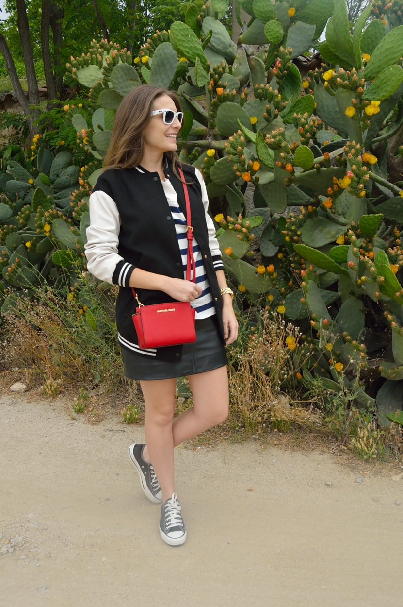lara-vazuez-madlulablog-fashion-style-easy-sneakers-pop-of-red