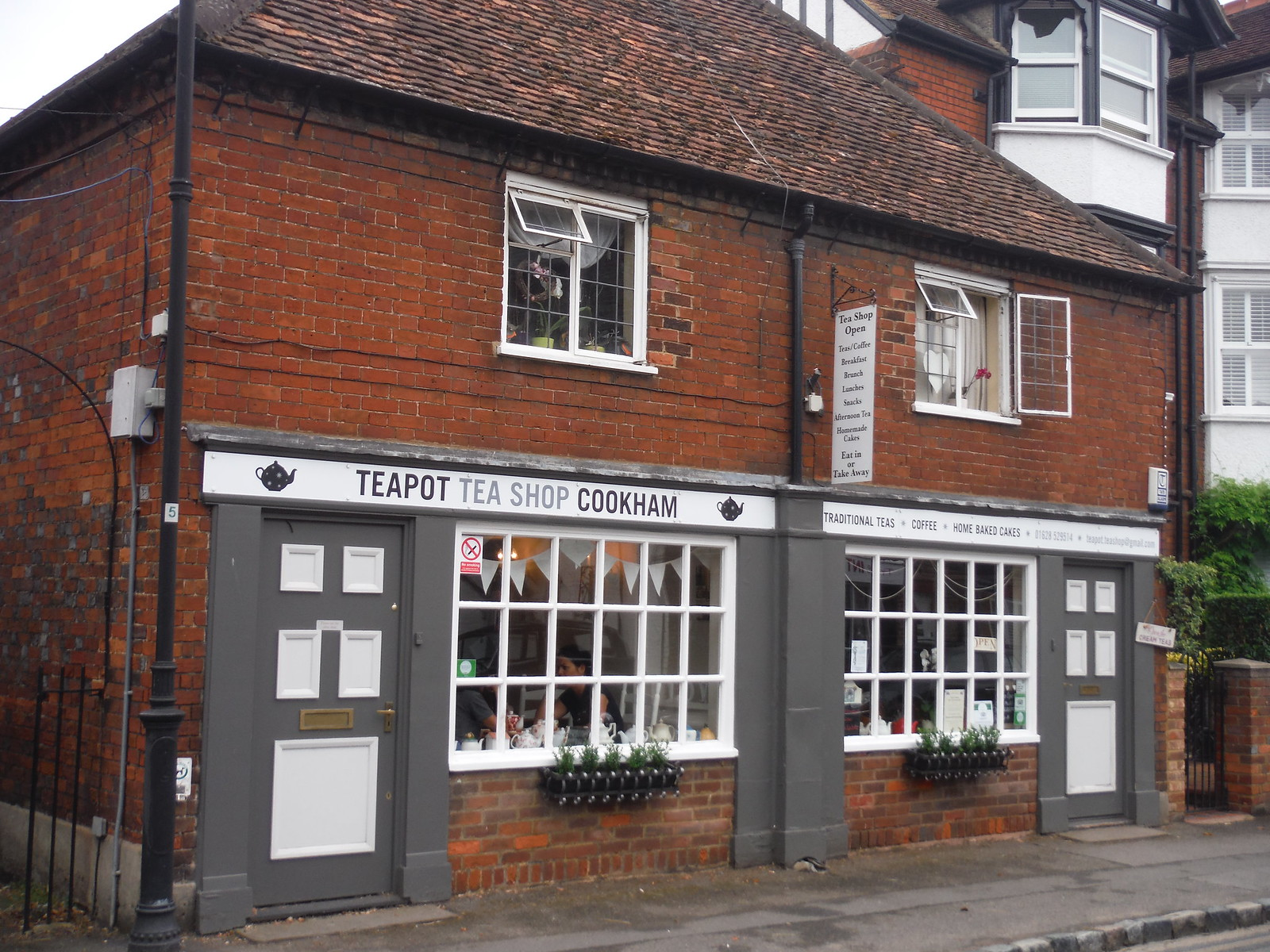 Teashop in Cookham SWC Walk 189 Beeches Way: West Drayton to Cookham