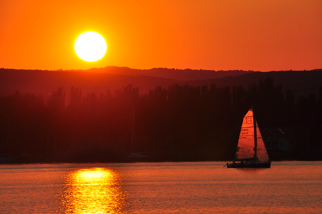 Sailing Home, Nikon D90, AF-S DX Nikkor 18-300mm f/3.5-5.6G ED VR