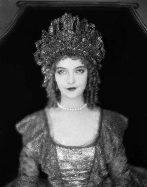 Lillian Diana Gish3