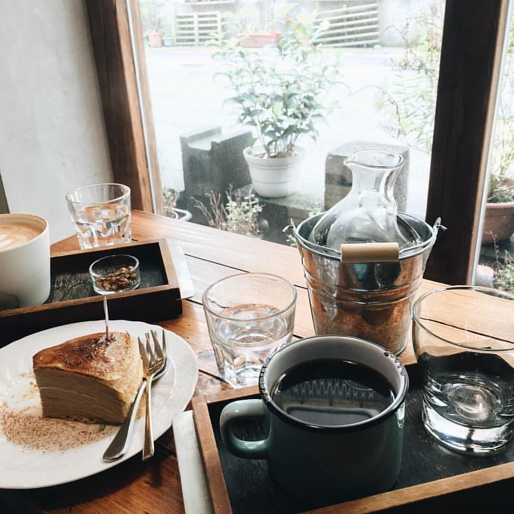⠀ ⠀⠀ | 悠閒午后 | ⠀ ⠀ #cafe #haowu #haowuspirit #taipei #taiwan #vsco #vscocam #daan #afternooncoffee #coffee #relax #relaxsunday