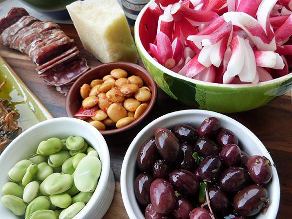 saucisson et Olives, comme en Provence