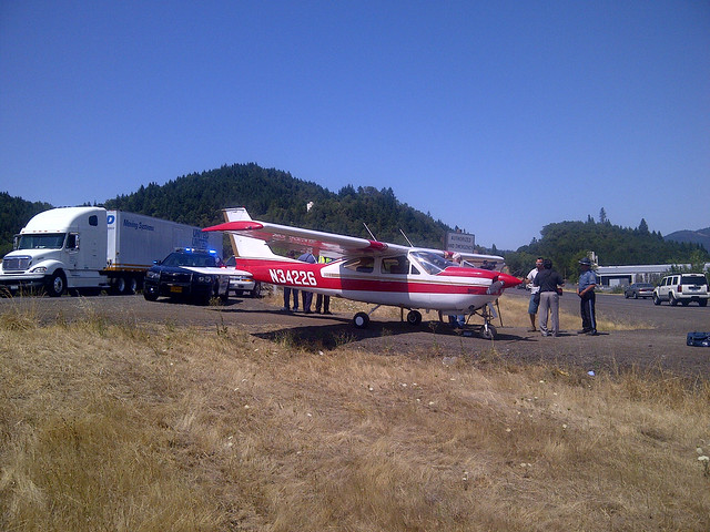 Plane landed north of Roseburg on I-5