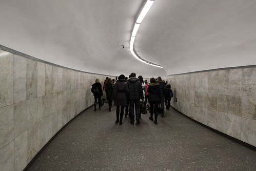 Yet another transfer corridor between lines of the Saint Petersburg Metro