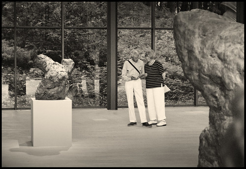 Wuppertal, Skulpturenpark Waldfrieden. Sculptures by William Tucker and art enthusiast