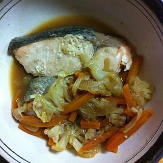 秋鮭とキャベツの味噌煮こみ #dinner 作ったー
