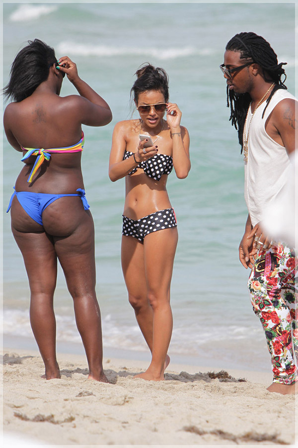 Karrueche-Tran-on-Miami-beach4