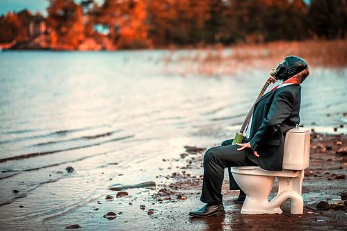 autumn sunset money suomi prime nikon dump business wc gasmask fi waste nikkor dslr 32 kuopio d800 85mmf14 väinölänniemi 70100 pohjoissavo lappalaisenkatu