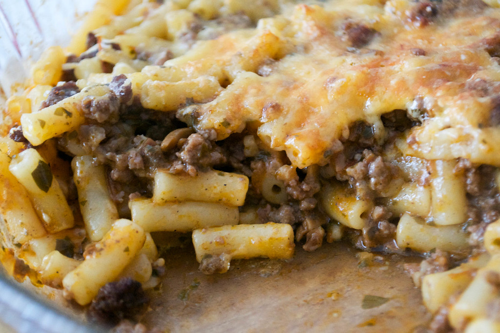 british beef macaroni cheese cut
