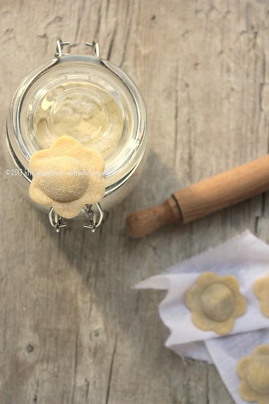 Fiori con cipolle caramellate e patate al doppio pecorino