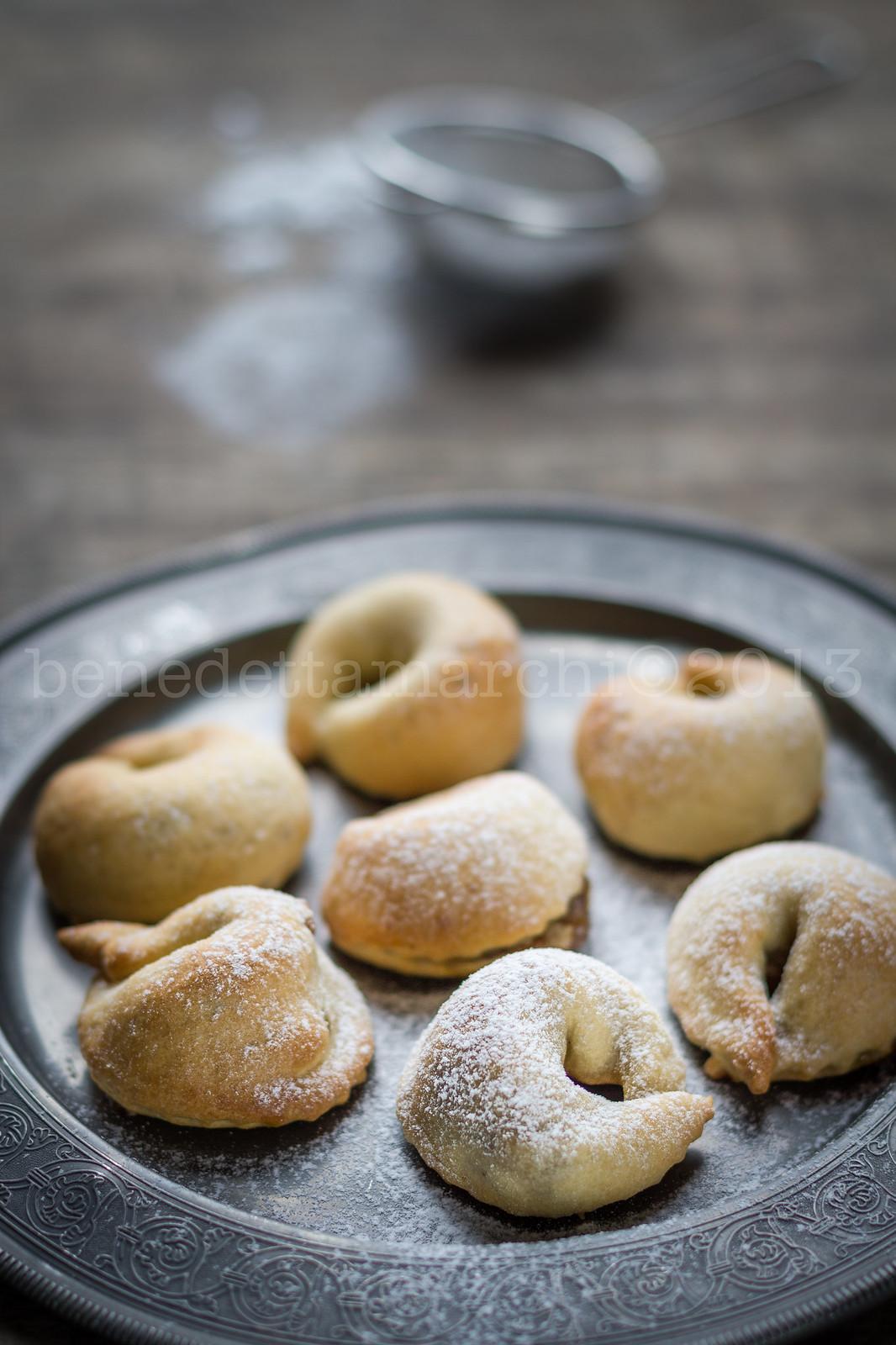 #mangiarematera pasticcini ripieni fichi, noci e pasta di mandorle