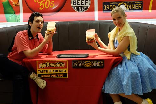 Sandy & Danny American Vintage '50s Life 01