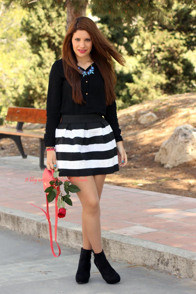 Bolso-Bissú-HEELSANDROSES-falda-de-vuelo-blanca-y-negra-(3)