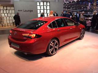 OPEL 2017 New Insignia_ 4