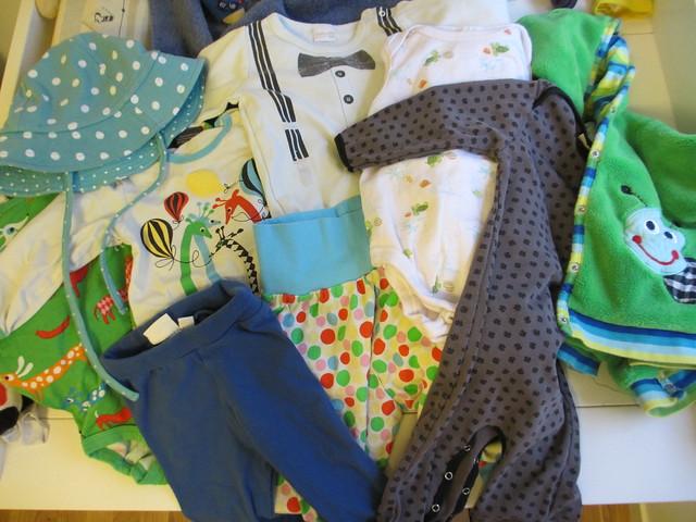 Axplock av kläder, Sander snart 8 månader