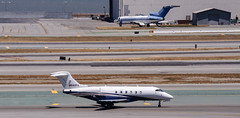 Bombardier Aerospace - N542FX