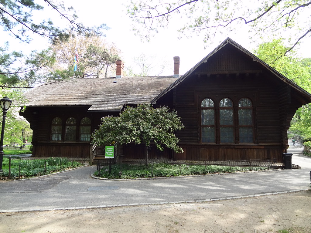 IWalked New York City's Central Park - Swedish Cottage Marionette Theatre