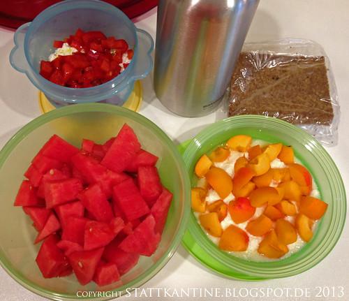 Stattkantine 5. Juli 2013 - Hüttenkäse mit Olivenöl und Paprika, Joghurt mit Aprikosen, Wassermelone