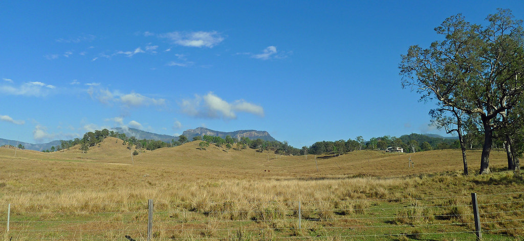 The Main Range and Mt Castle from Rosewodd-Aratula Road