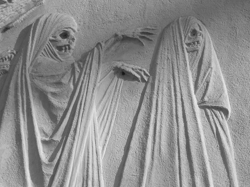 Resultado de imagen de cementerio estatuaria arte calaveras