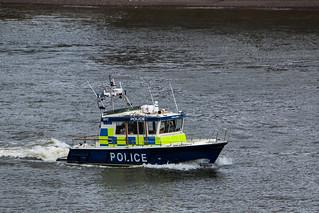 Vedette de police sur la Tamise