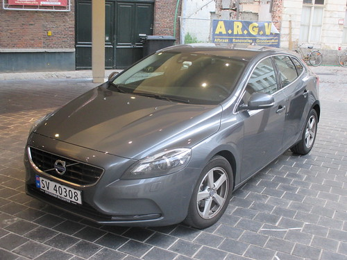 2013 Volvo V40 D2 Review
